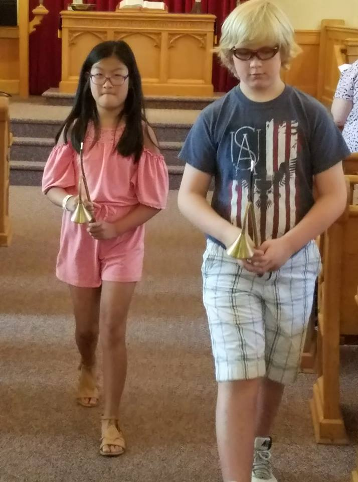 Young acolytes Teagan Snow and Tor Magnus Hegg.